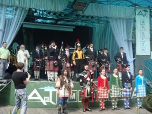 Учасники первого московского фестиваля волынщиков