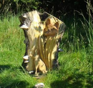 Пень при входе в парк на Кинноулл Хилл
