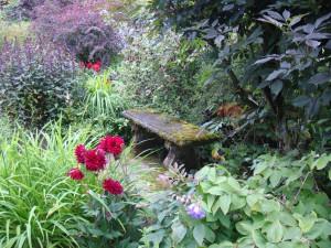 скамейка в саду замка Кратес