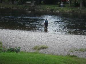 рыбак, река Несс, Инвернесс