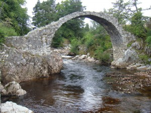 живописнейший мост Каррбридж