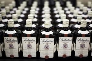 купажированный виски Ballantines