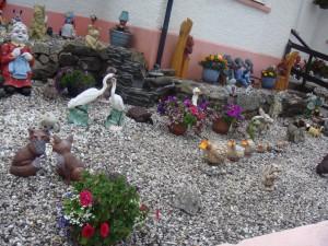 садик перед домом, Кайлакин, Скай